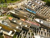 Barcos de enfileiramento na baía de Gordons foto de stock