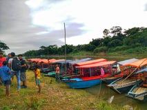 Barcos de flutuação Fotos de Stock