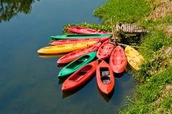 Barcos de la canoa. Fotografía de archivo