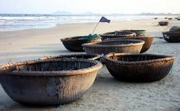 Barcos de la cesta - Vietnam Fotos de archivo libres de regalías