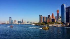 Barcos de la ciudad Fotos de archivo libres de regalías
