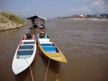 Barcos de la cola larga. Fotografía de archivo libre de regalías