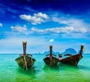 Barcos de la cola larga en la playa, Tailandia Fotografía de archivo libre de regalías