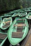 Barcos de madeira verdes fotografia de stock