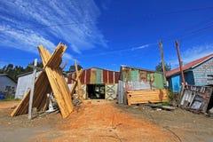 Barcos de madera constructivos a mano de los troncos de árbol, isla de Chiloe, Chile imágenes de archivo libres de regalías