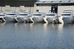 Barcos de motor Imágenes de archivo libres de regalías