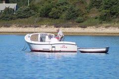 Barcos de motor en bacalao de cabo Fotos de archivo