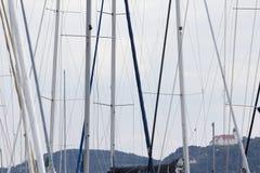 Barcos de navegación en el lago Balaton Imagen de archivo libre de regalías