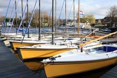 Barcos de navegación recreacionales en Países Bajos Imágenes de archivo libres de regalías
