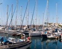 Barcos de navigação ancorados no porto no canário de Gran Fotos de Stock