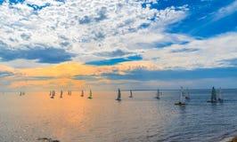 Barcos de navigação em Frankston, Austrália foto de stock royalty free
