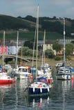 Barcos de navigação na escora imagem de stock royalty free
