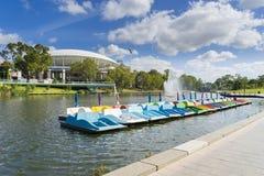 Barcos de paleta en la ciudad de Adelaide en Australia Imagen de archivo libre de regalías
