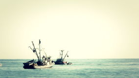 Barcos de pesca 2 almacen de metraje de vídeo