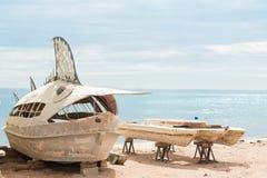 Barcos de pesca abandonados Fotos de archivo