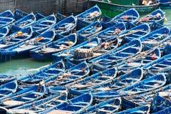 Barcos de pesca amarrados no porto do essaouira Imagens de Stock