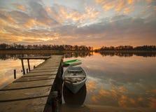 Barcos de pesca amarrados para el puerto del invierno Fotografía de archivo libre de regalías