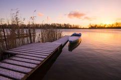 Barcos de pesca amarrados para o porto do inverno Imagem de Stock Royalty Free