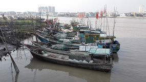 Barcos de pesca Aojian-Wenzhou do chinês tradicional de Embarcadero Fotografia de Stock Royalty Free