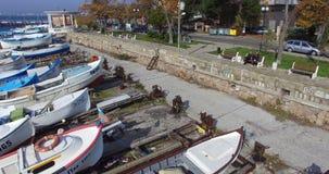 Barcos de pesca cerca de la 'promenade' en Pomorie, Bulgaria Fotografía de archivo