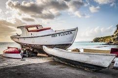 Barcos de pesca das caraíbas na praia Foto de Stock Royalty Free