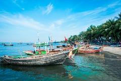 Barcos de pesca de madeira imagens de stock royalty free