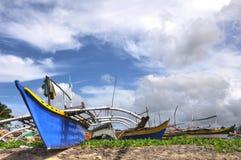 Barcos de pesca de madera filipinos Imagenes de archivo