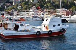 ¿? barcos de pesca del stinye en la bahía Foto de archivo libre de regalías