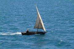 Barcos de pesca e barcos de navigação no Oceano Índico Fotos de Stock