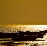 Barcos de pesca em torno da fotografia do seawater Fotografia de Stock