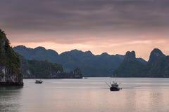 Barcos de pesca em Vietnam Fotografia de Stock Royalty Free