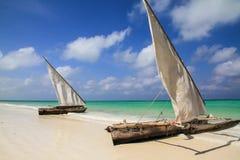 Barcos de pesca em Zanzibar fotografia de stock