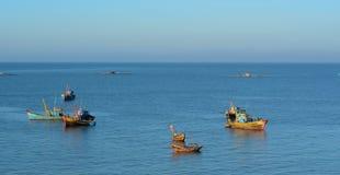 Barcos de pesca en el mar Fotografía de archivo libre de regalías