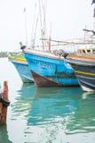 Barcos de pesca en el puerto de Tangalle Imágenes de archivo libres de regalías