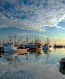 Barcos de pesca en el puerto deportivo Fotos de archivo libres de regalías