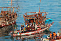 Barcos de pesca en el puerto - Zanzíbar Foto de archivo libre de regalías