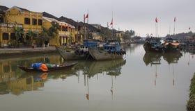 Barcos de pesca en Hoi un Vietnam Imagen de archivo