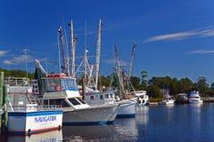 Barcos de pesca en la calabaza, Carolina del Norte Imagen de archivo