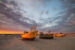 Barcos de pesca en la costa del mar Báltico Fotografía de archivo