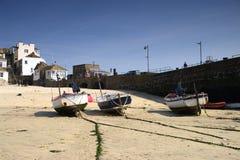 Barcos de pesca en la playa 4 Foto de archivo libre de regalías