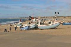 Barcos de pesca en la playa, Dinamarca, Europa Imagen de archivo