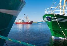 Barcos de pesca en puerto Fotos de archivo