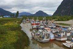Barcos de pesca en Puerto Aysen, Patagonia, Chile fotografía de archivo libre de regalías