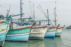 Barcos de pesca en un puerto Fotos de archivo libres de regalías
