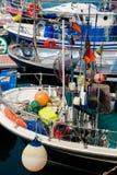 Barcos de pesca encalhados no porto Foto de Stock Royalty Free