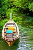 Barcos de pesca locais velhos em florestas dos manguezais Imagens de Stock Royalty Free