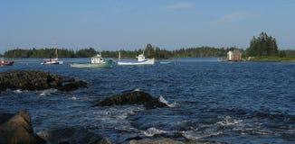 Barcos de pesca na âncora Fotos de Stock Royalty Free