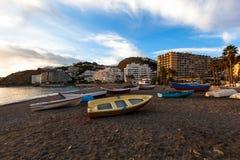 Barcos de pesca na praia Fotografia de Stock