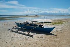 Barcos de pesca na praia Fotos de Stock Royalty Free