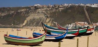 Barcos de pesca Nazare Portugal imagem de stock